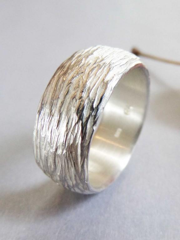"""Silberring mit Motiv zarter Baumrinde 576x768 - Silberring """"Zarte Baumrinde"""""""
