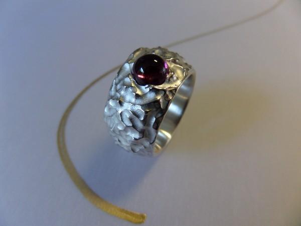 Silberring mit Turmalincabochon 600x450 - Silberring mit Turmalincabochon