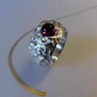 Silberring mit Turmalincabochon scaled 324x324 - Silberring mit Turmalincabochon