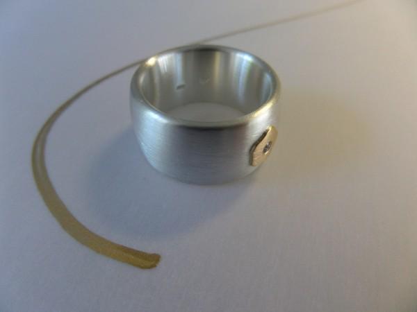 """Silberring mit goldenem Blümchen und Brillant online kaufen 600x450 - Silberring """"Goldenes Blümchen"""""""