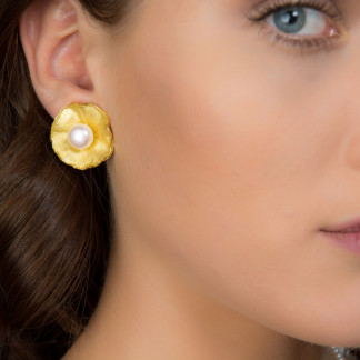 """Vergolderte Silber Ohrclips mit großer Perle Sakura 324x324 - Ohrclips """"Sakura"""" aus vergoldetem Silber mit großer Zuchtperle"""