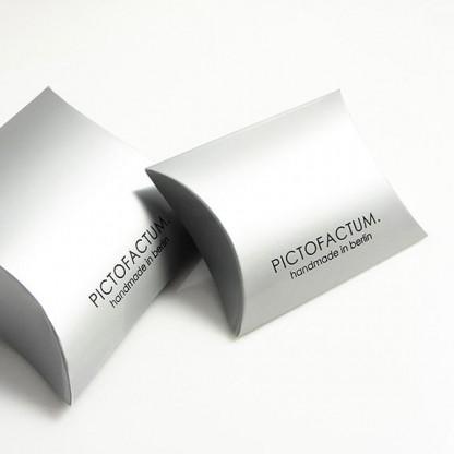 """Verpackung klein.jpg 416x416 - Ohrstecker """"Unikum"""" Glow-Gold"""