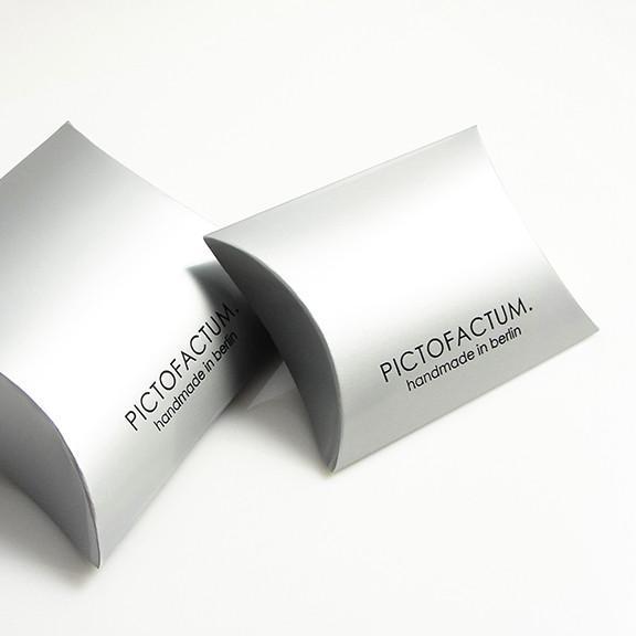 "Verpackung klein.jpg - Armreifen ""Unikum"" Glow-Gold"