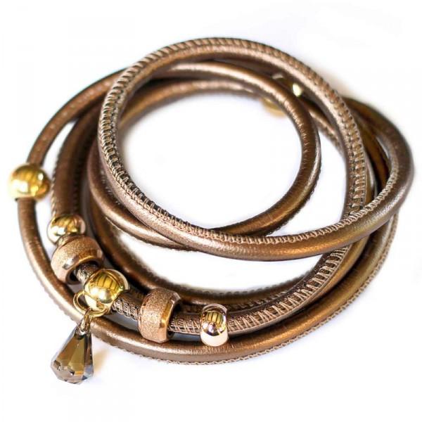 Wickelarmband Halsschmuck aus Nappa Leder in Bronze mit Swarovski Raindrop Tropfen in Bronze 1 600x600 - Wickelarmband - Halsschmuck aus Nappa-Leder in Bronze mit Swarovski-Raindrop Tropfen in Bronze