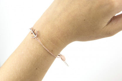 armband rose arm front 416x277 - Anker Armkette VALENA rosegold