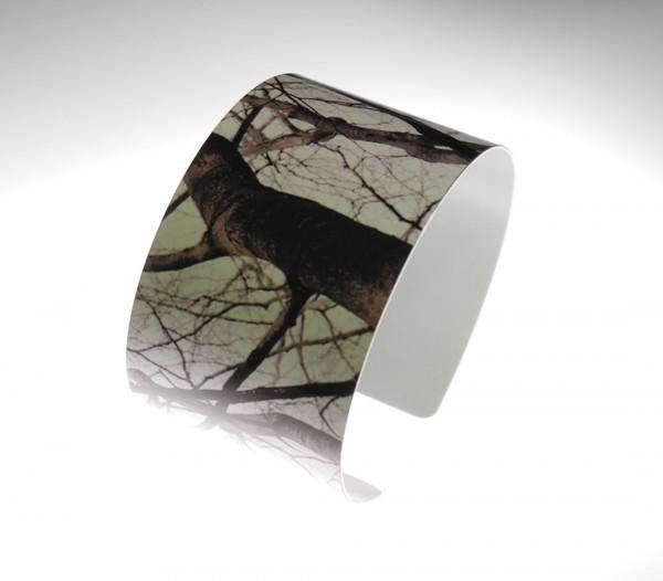 armreifen aus Alu sommerreifen tree schwarz weiß 600x526 - Sommerreifen tree