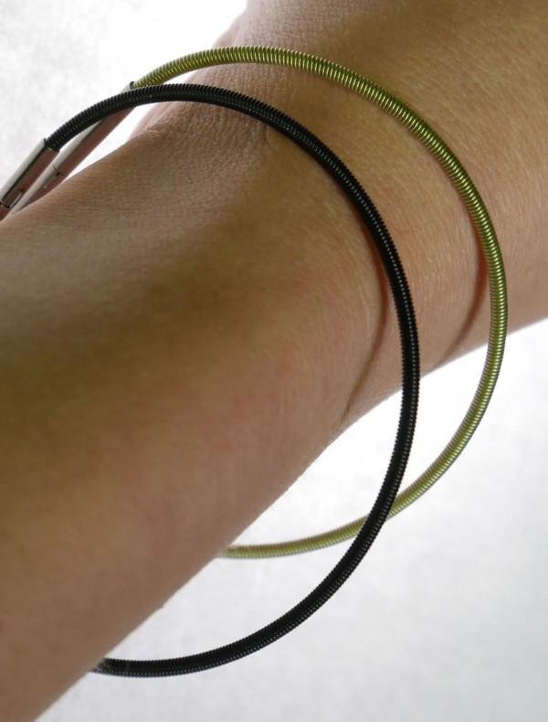 armreifen aus edelstahl spirelli 600x790 - Armreif spirelli