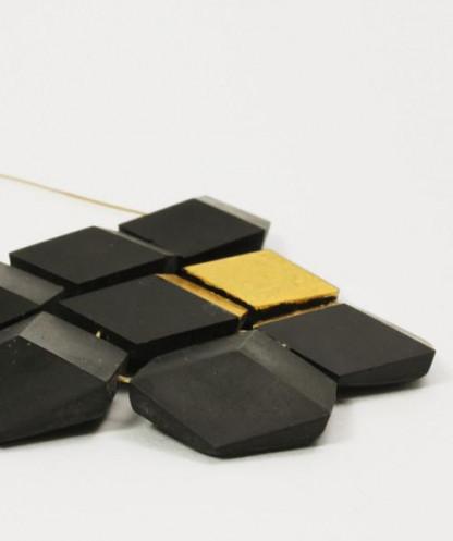 """collier ambivalenz schwarz gold 183 416x497 - Collier """"Ambivalenz"""" Schwarz-Gold"""
