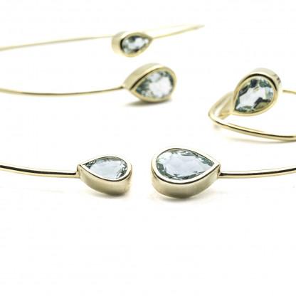 designschmuck kaufen 416x416 - Courbe Halsreif aus Gold mit Aquamarin
