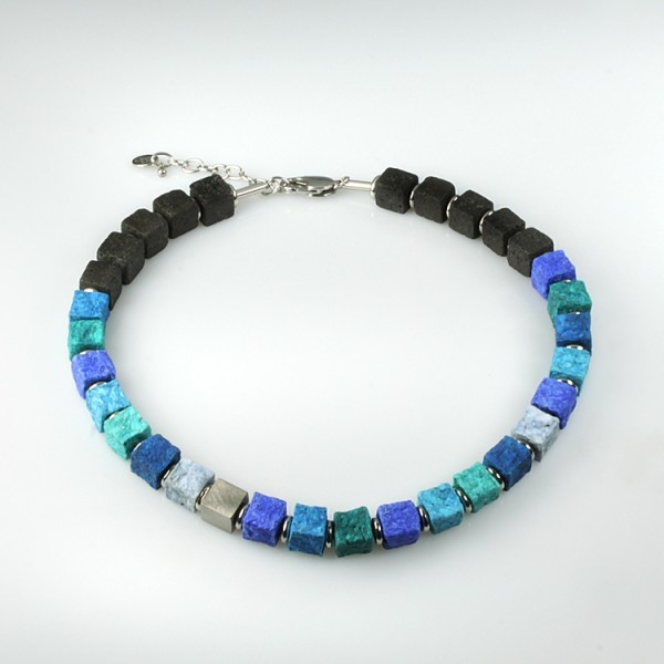 halskette black iris chagall 600x600 - Halskette Black Iris 10 (Farbauswahl)