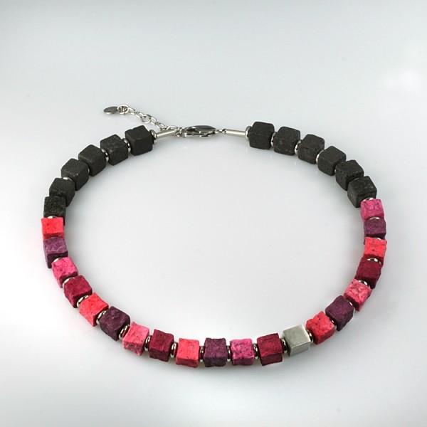 halskette black iris rosegarden 600x600 - Halskette Black Iris 10 (Farbauswahl)