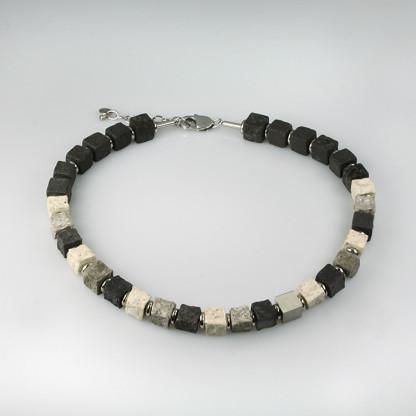 halskette black iris stone 416x416 - Halskette Black Iris 10 (Farbauswahl)