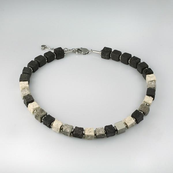 halskette black iris stone 600x600 - Halskette Black Iris 10 (Farbauswahl)