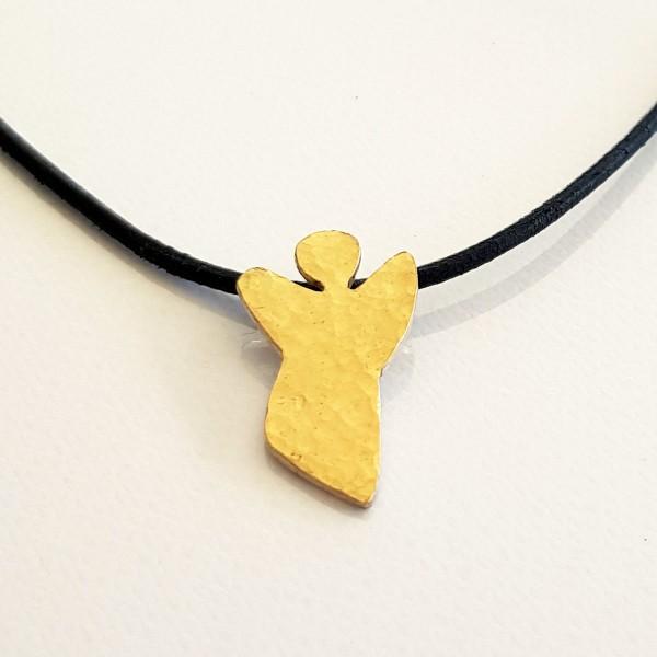 halskette für kinder mit engel gold 600x600 - Halskette mit Schutzengel in Gold
