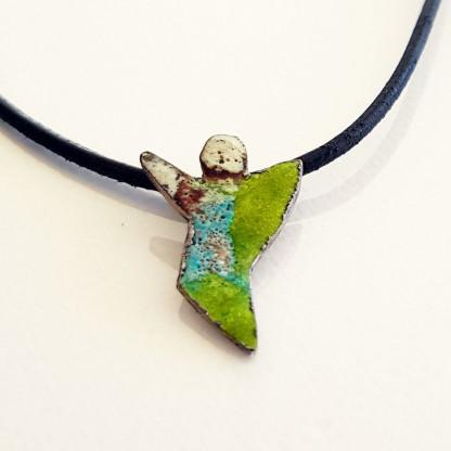 halskette für kinder mit engel grün weiss blau 416x416 - Halskette mit Schutzengel in Grün-Weiß-Blau