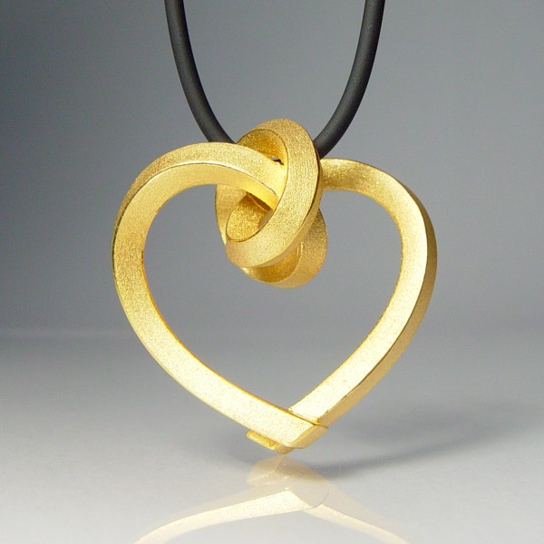 halskette knoten herzen kantig gross gold 1 600x600 - GEBUNDENE HERZEN kantig groß