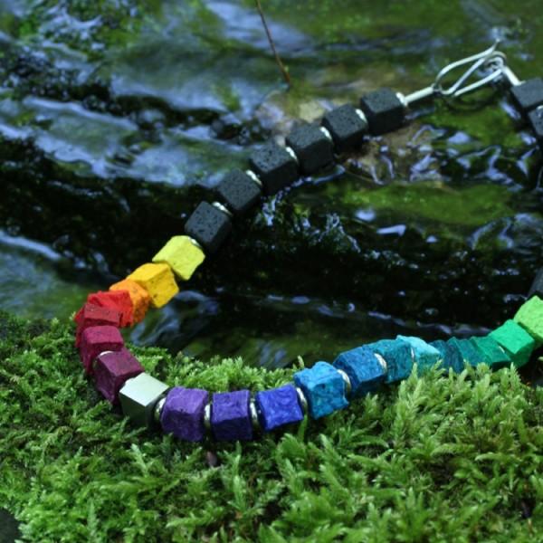 halskette stau black iris rainbow 600x600 - Halskette Black Iris 10 (Farbauswahl)