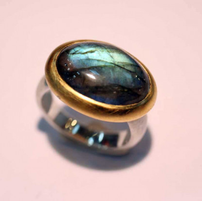 kreativer schmuck ring goldschmied r andi labradorit 416x415 - Ring R Andi Labradorit