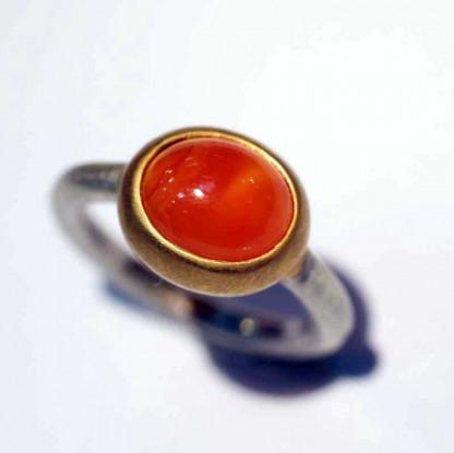 kreativer schmuck ring goldschmied r mox carneol 1 416x415 - Ring R Mox Carneol