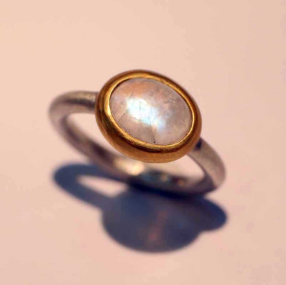 kreativer schmuck ring goldschmied r mox mondstein oval