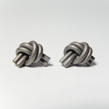 ohrstecker knoten doppelrund dunkel rhodiniert 1 416x416 - OHRKNOTEN doppelrund