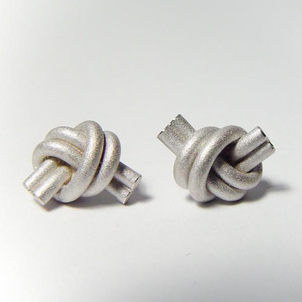 ohrstecker knoten doppelrund silber rhodiniert 1 600x600 - OHRKNOTEN doppelrund