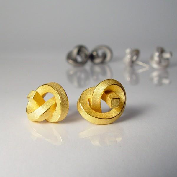 ohrstecker knoten kantig klein gold 1 600x600 - OHRKNOTEN kantig klein