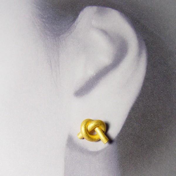 ohrstecker knoten rund klein gold 2 600x600 - OHRKNOTEN rund klein