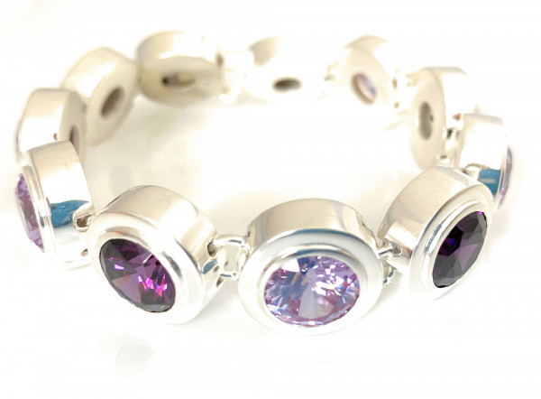 schmuck kaufen Armband Monaco 1001 152 lavendel Amethyst stehend 600x442 - Armband Monaco mit Amethysten
