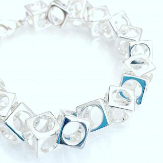schmuck kaufen Armband Würfel 1001 139 weißer Grund 324x324 - Design-Armband Würfel