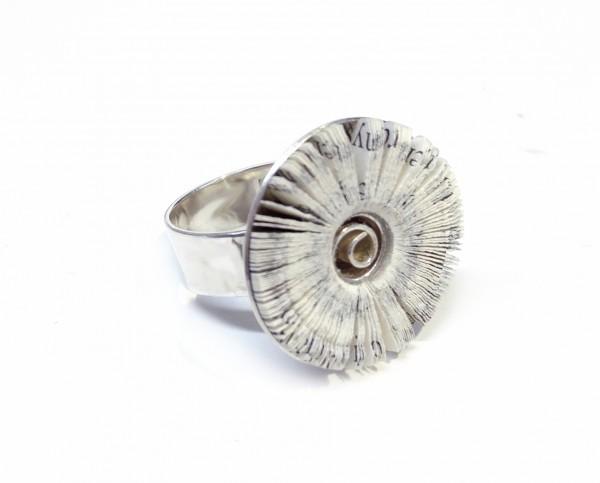 """schmuck kaufen Ring Literarische Blüte 600x483 - Ring """"Literarische Blüte"""""""