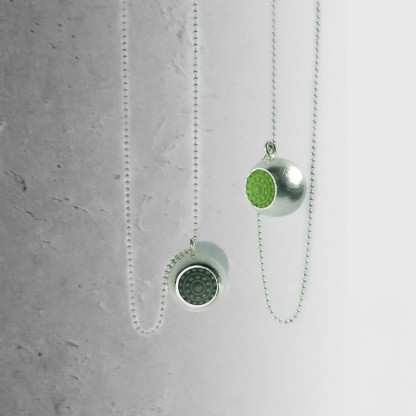 """schmuck vom designer dots silber ketten grün 416x416 - Silber-Halskette """"dots"""" (Farbauswahl)"""