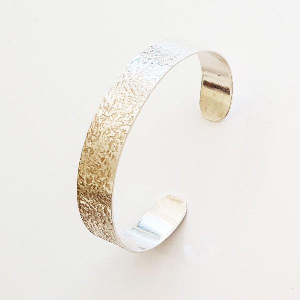 strukturierter Silberarmreif 600x600 - Strukturierter Silber-Armreif
